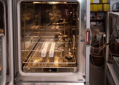 Provini di graniti sottoposti a prove di durabilità in camera climatizzata