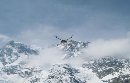 UAV durante acquisizione in area montana
