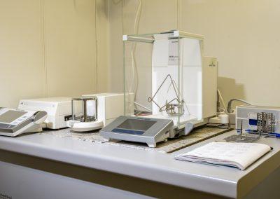 Bilance analitiche per campioni di particolato atmosferico